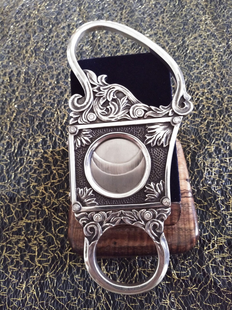 Goliath Cigar Cutter